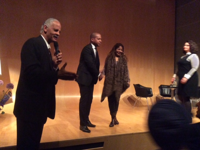 Stedman Graham with Symposium participants.